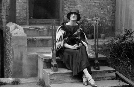 Lady Dorothy Mills wins an award
